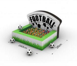 Suchy basen_Football